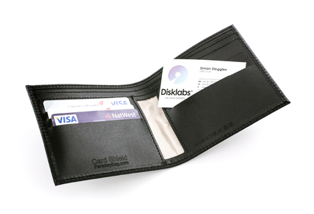 card_shield_1_faraday_wallet_cs1_emr_protection_information-security_Защитный кошелёк (чехол) Фарадея Card Shield (CS1)